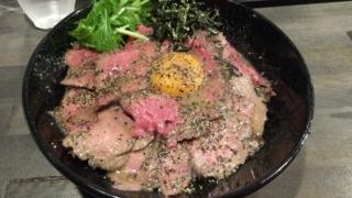 肉厚なローストビーフ丼が食べられる「CAMEL DINER 京橋店」