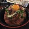 大須のニクのクニでローストビーフ丼、満席は人気店の証か、さてまた別の理由か